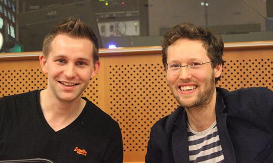 Max Schrems und Jan Philipp Albrecht im Europäischen Parlament, 21. Oktober 2015 // Foto: Zora Siebert